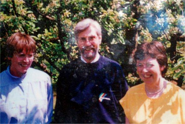 Gründungsfoto aus dem Jahr 1980: Alexandra Göbel, Pfr. Ekkehard Edel, Dr. Judith Neff-Schwenger (v.l.)