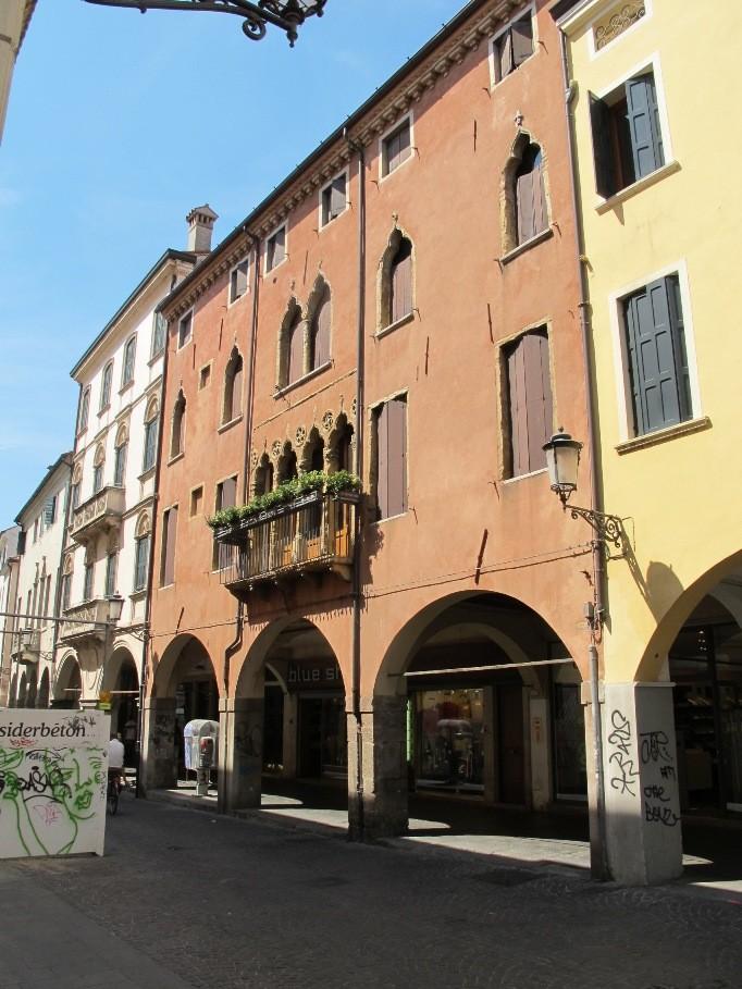Ristrutturazione negozi in centro a Padova