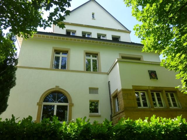 Ansicht auf unser Haus mit allen vier Stockwerken