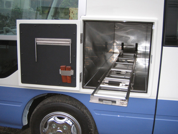 バス 霊柩車