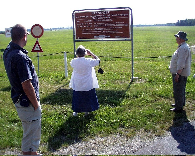 Ankunft am ehemaligen Kriegsgefangenenlager Elsterhorst