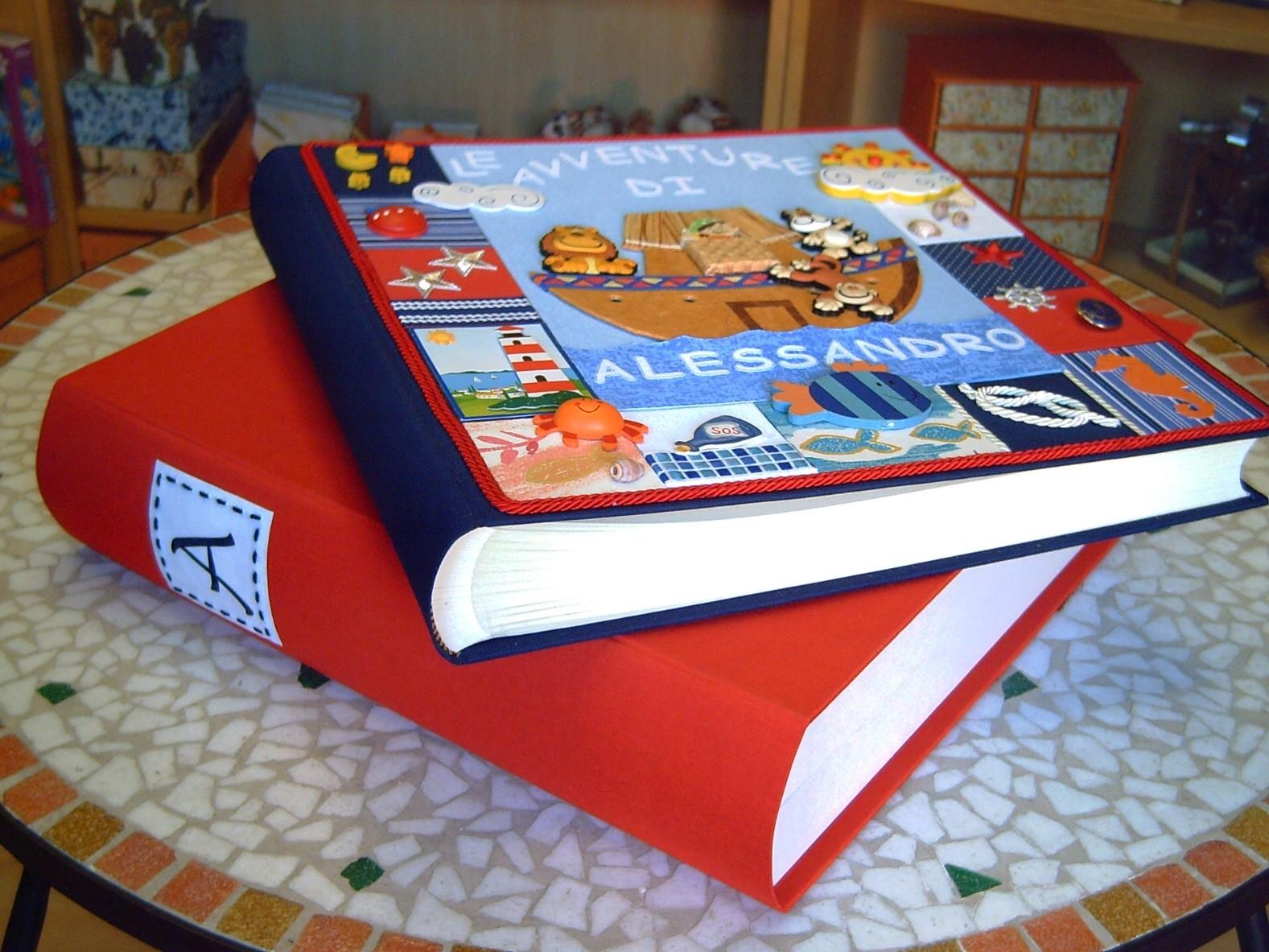 L'album con la scatola finto libro in tela coordinata