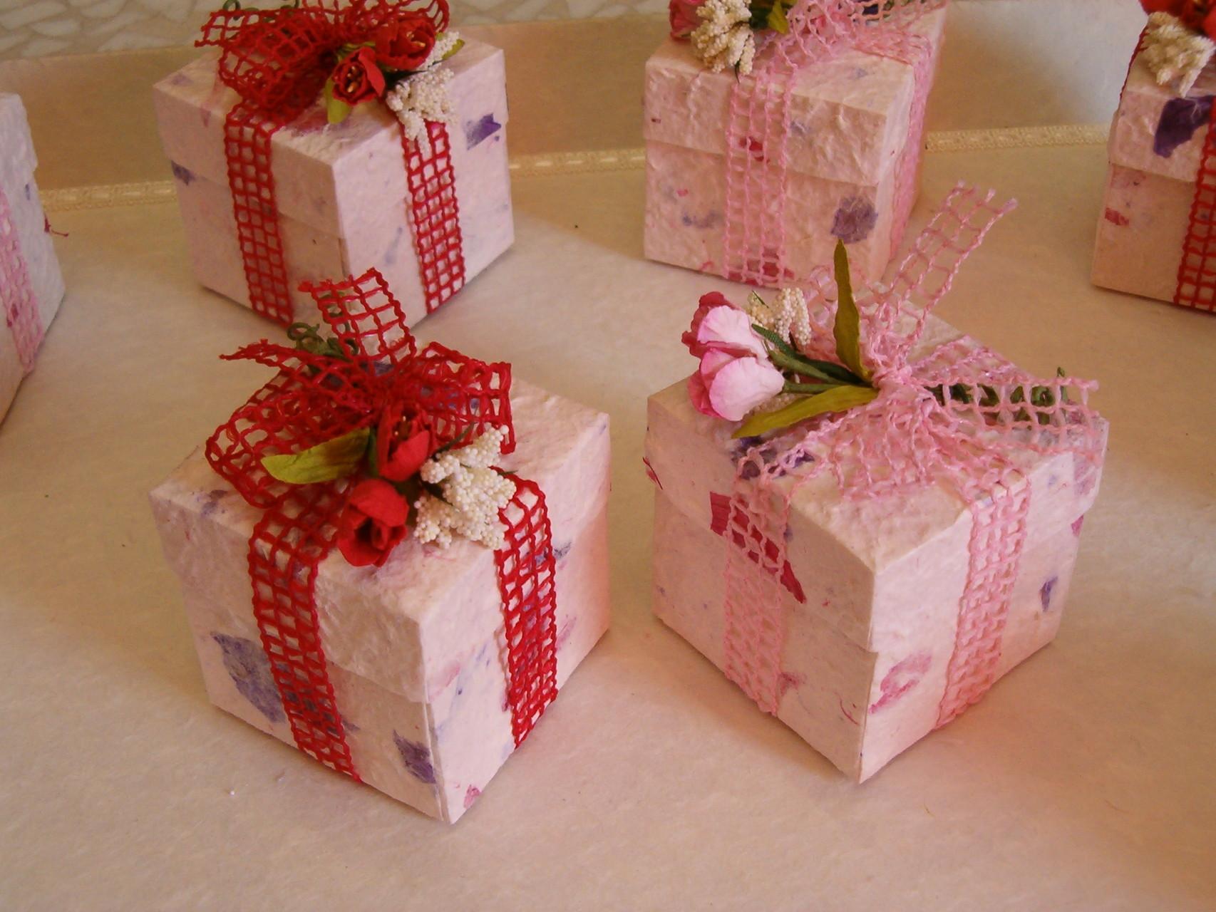 Scatoline a cubo realizzate a mano in carta di gelso