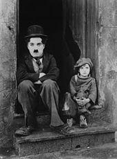 Charlie Chaplin et Jackie Coogan dans Le Kid (1921)