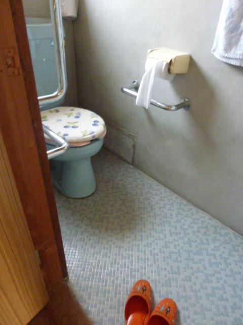 教会の水洗便所もお借りできます。
