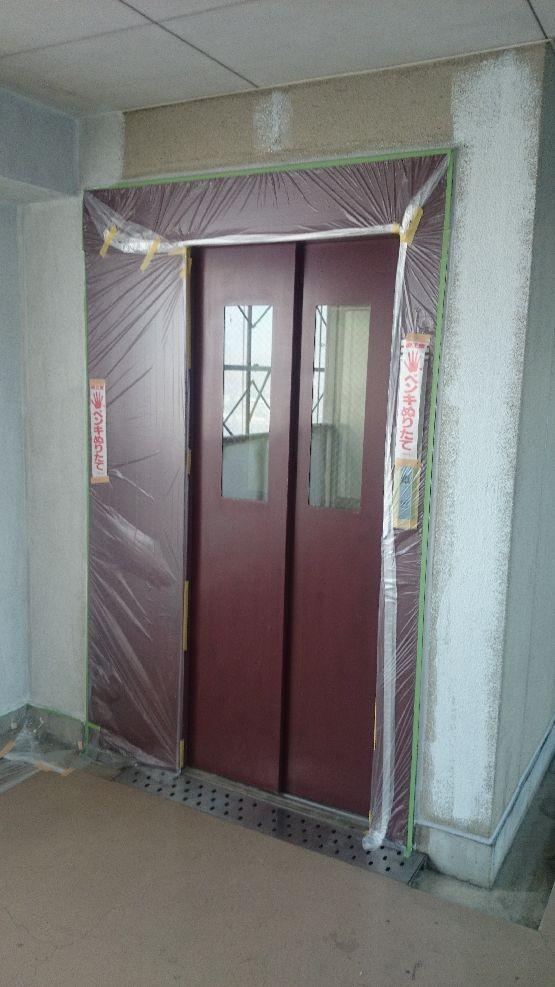 施工前のエレベーター