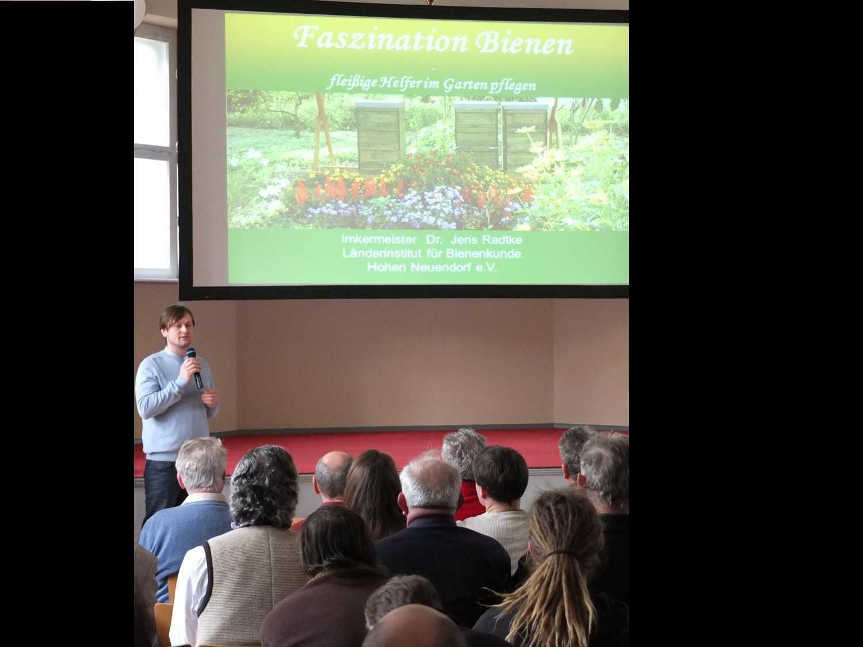 Dr. Jens Radtke | Bieneninstitut Hohen-Neudorff | Faszination Bienen