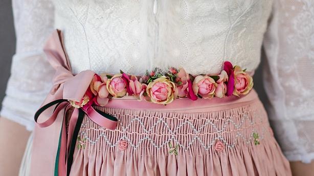 Blumengürtel, Dirndl , Hochzeitsdirndl, Brautdirndl