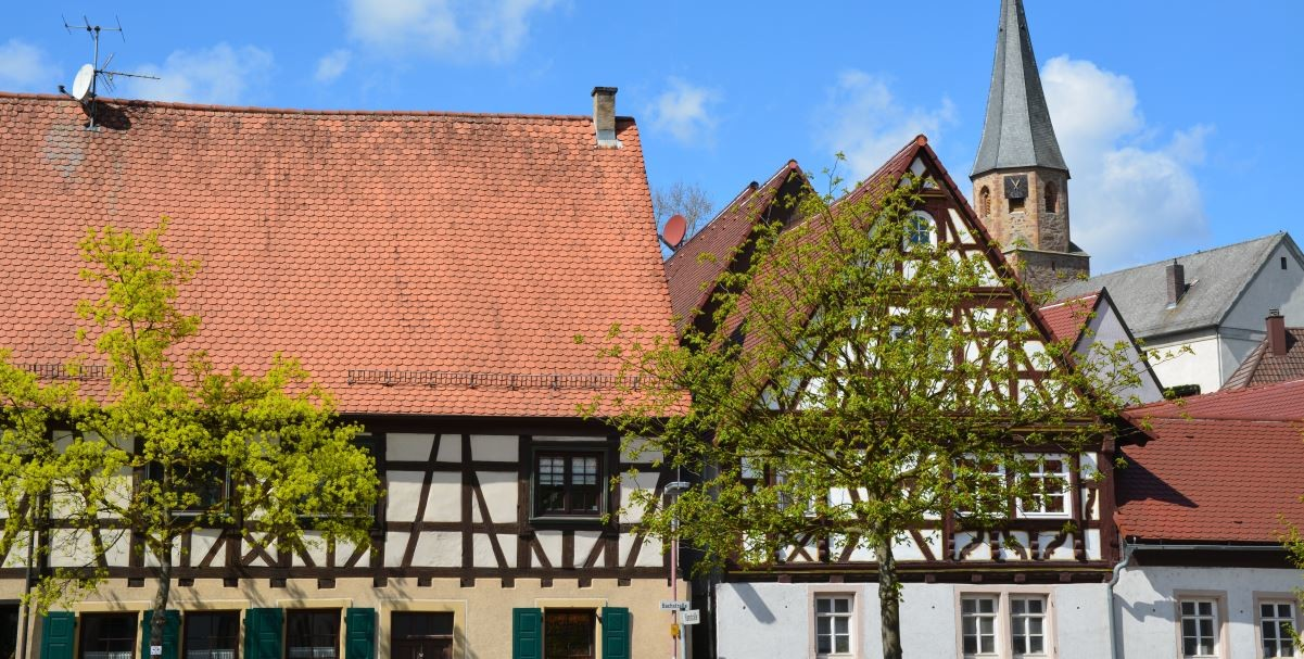 Oberöwisheim Kirche und Fachwerk