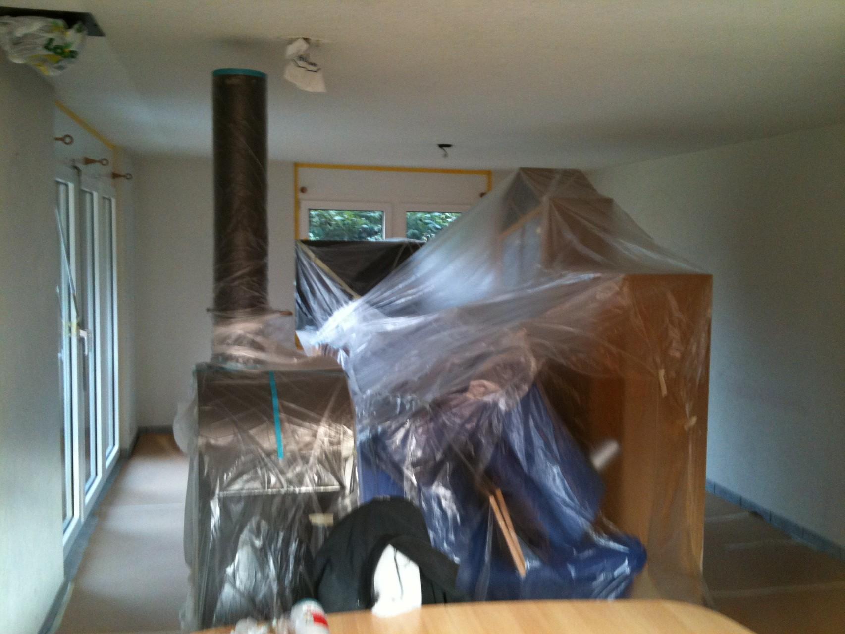 Für saubere Malerarbeiten sind gute Abdeckarbeiten und die richtige Wahl der Gerätschaften die halbe Arbeit.