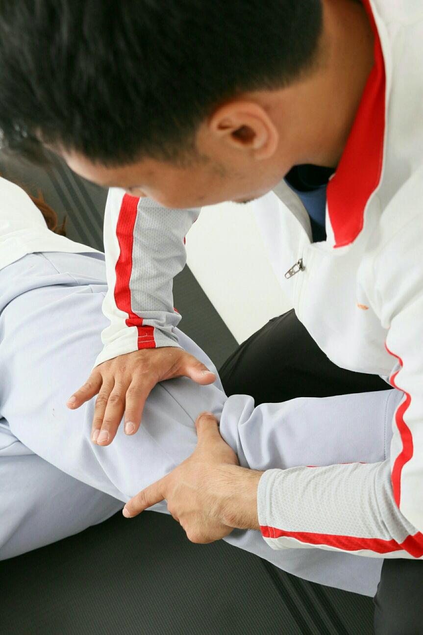 各部位の詳細な評価と徒手療法