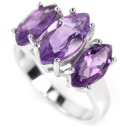 кольцо из серебра с аметистами.