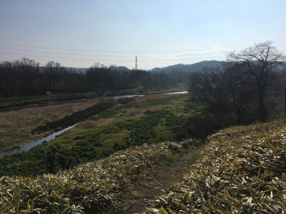 原爆の図丸木美術館横を流れる都幾川 いつもより水が少ないそうです。