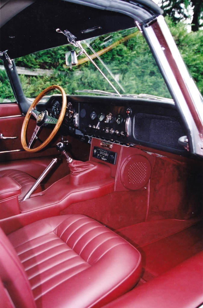 Sellerie et tradition voitures anciennes et de for Moquette voiture ancienne