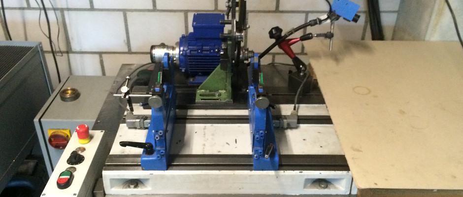 Universalauswuchtmaschine horizontal bis 20 kg