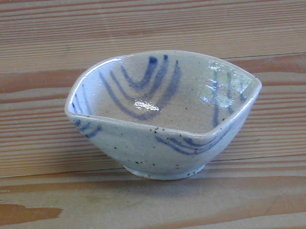 変形角小鉢