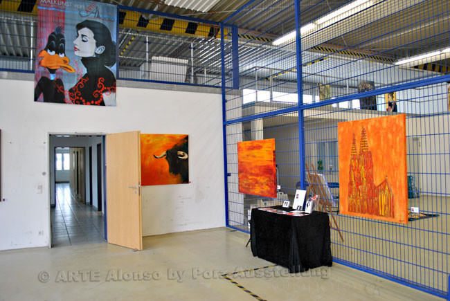 Halle Niederberger Gruppe GBR,  51149 Köln, März 2012