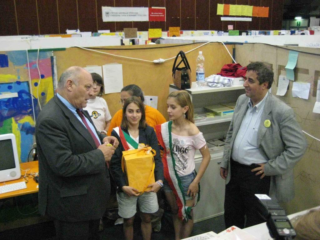 Bürgermeisterin von MiniBZ trifft richtigen Bürgermeister
