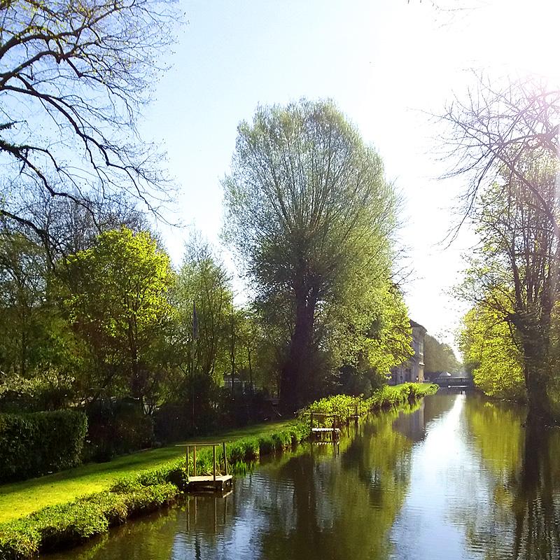 Schlosspark Schleißheim auf dem Weg zum WARE FREUDE Marktstand bei der Gartenlust 2019