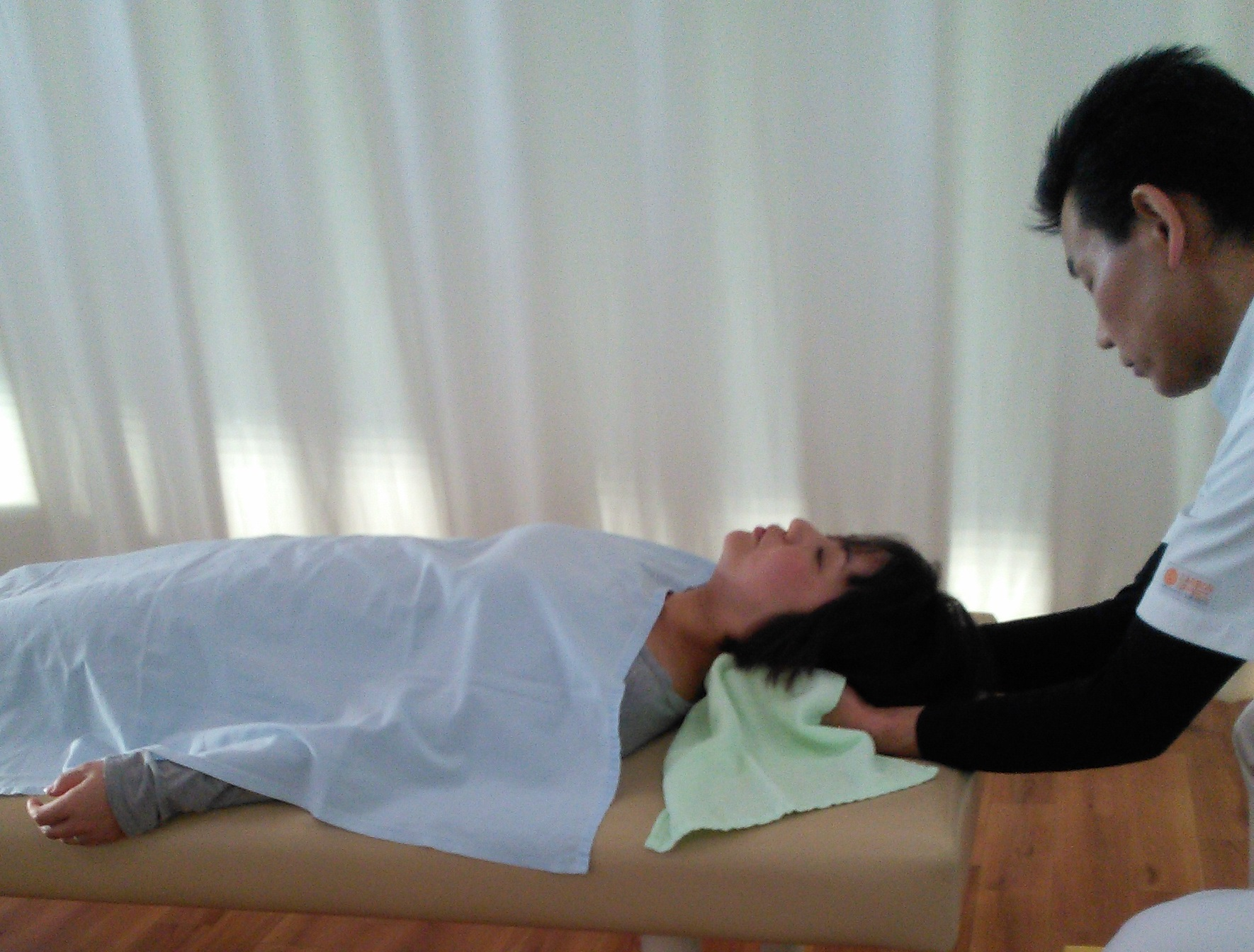 首痛・首コリのマッサ-ジ