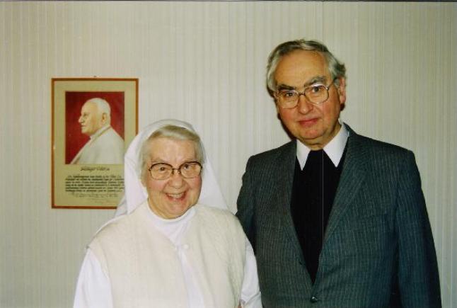 Schwester Rigoberta Monsignore Rolf E. Buschhausen Ursprung Gründung Hilfsaktion