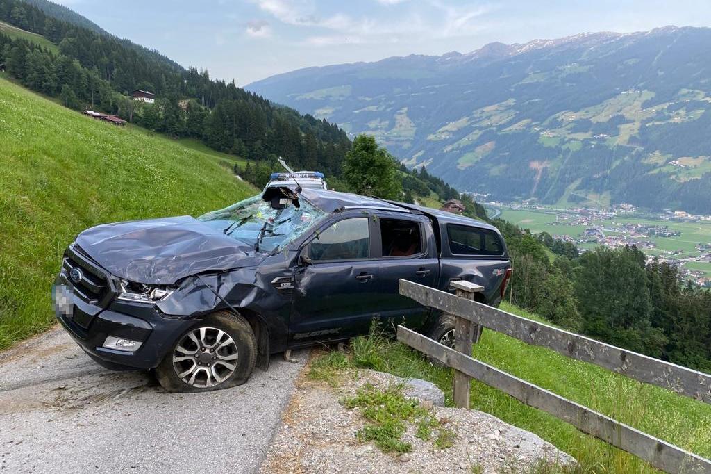 Fahrzeugabsturz am Zellberg