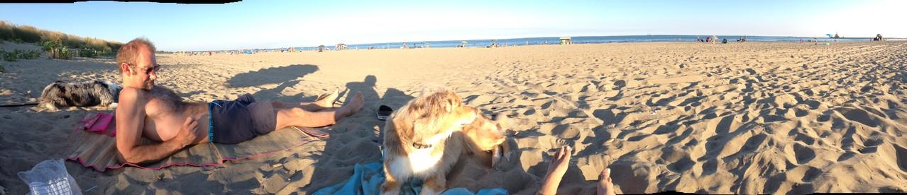 ...trotzdem sich tagsüber eher wenig Leute am Strand tümmeln