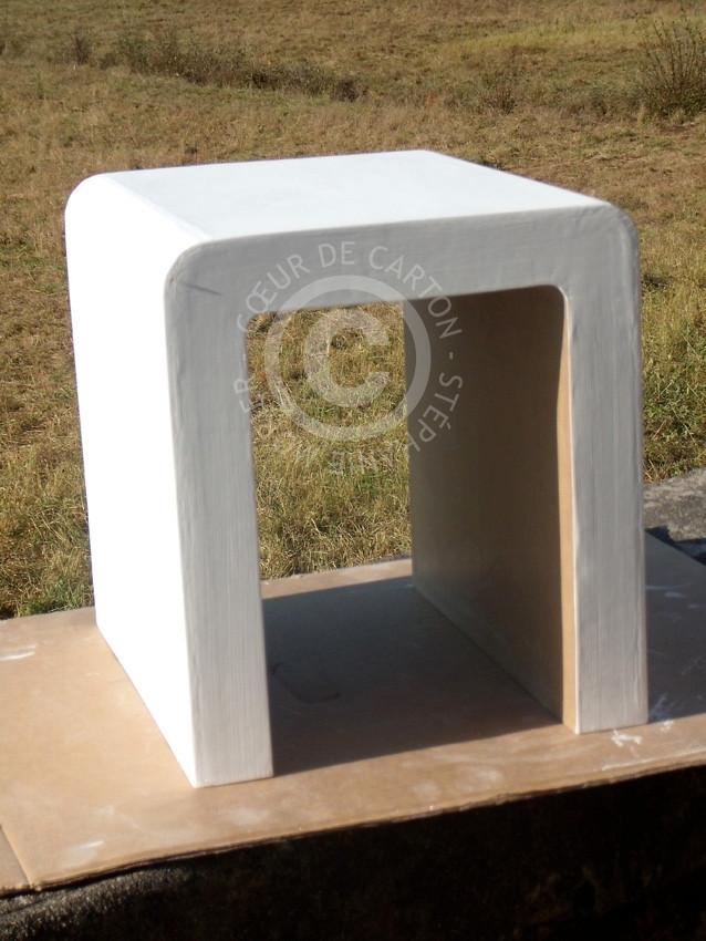 "Petite Table design en carton (Cf. ""Sur mesure"")"