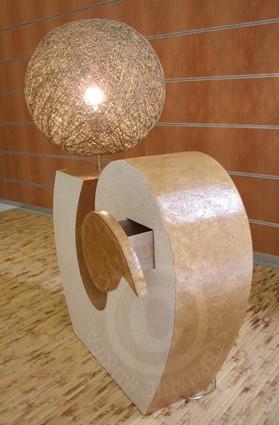 Lampe en carton avec tiroir