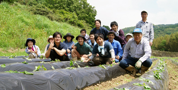 大分県由布市朴木 由布川峡谷近くの田んぼにて農業体験