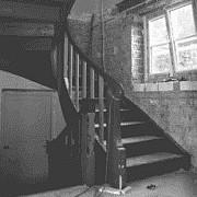 Treppe vor der Modernisierung mit Bucher Treppen