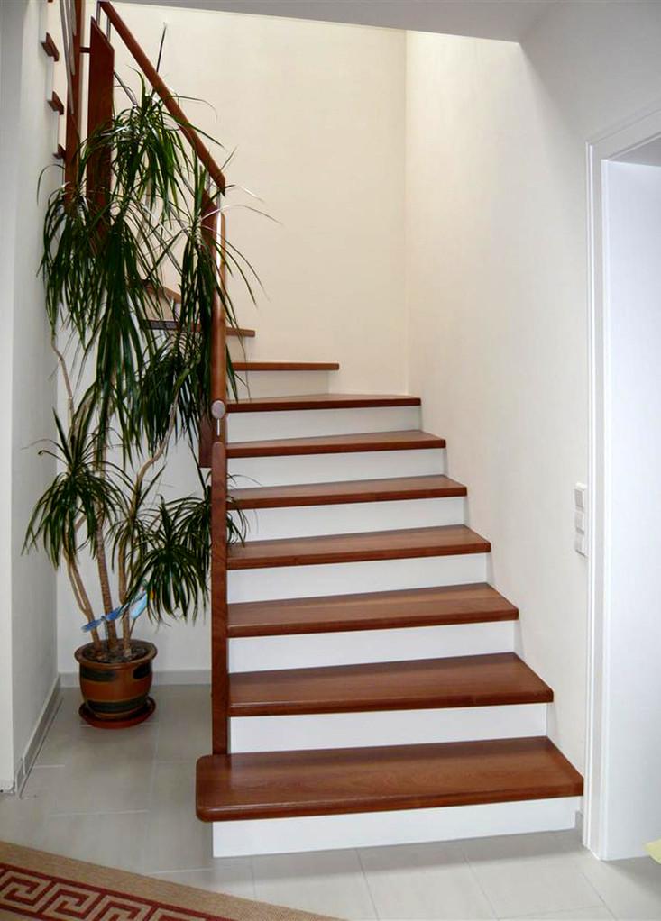 Holzstufen Kirsche, Holstufen Kirschholz auf Beton - Bucher Treppen