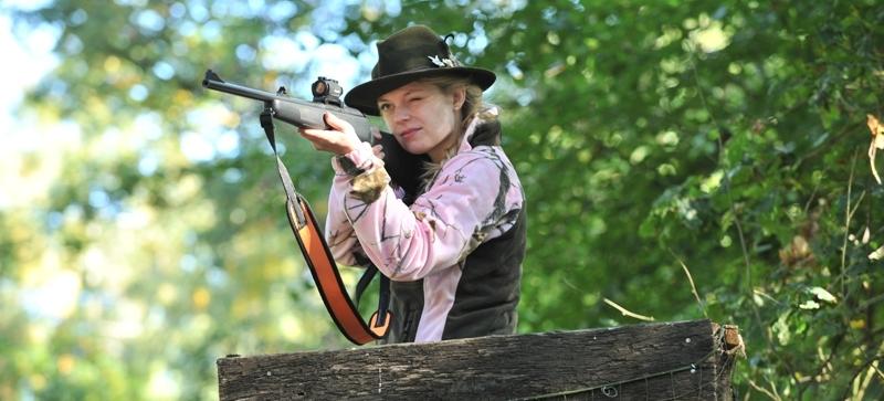 Immer mehr Frauen lassen sich zu Jägerinnen ausbilden: Der weibliche Anteil in den Jagdschulen liegt mitlerweile bei 24 Prozent. Quelle: KauerMross/DJV