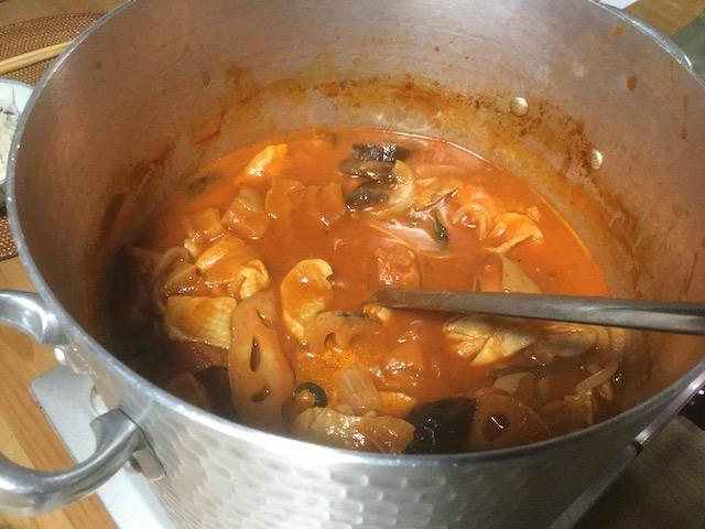 自家製乾物をたっぷり使ったトマト味のシチュー