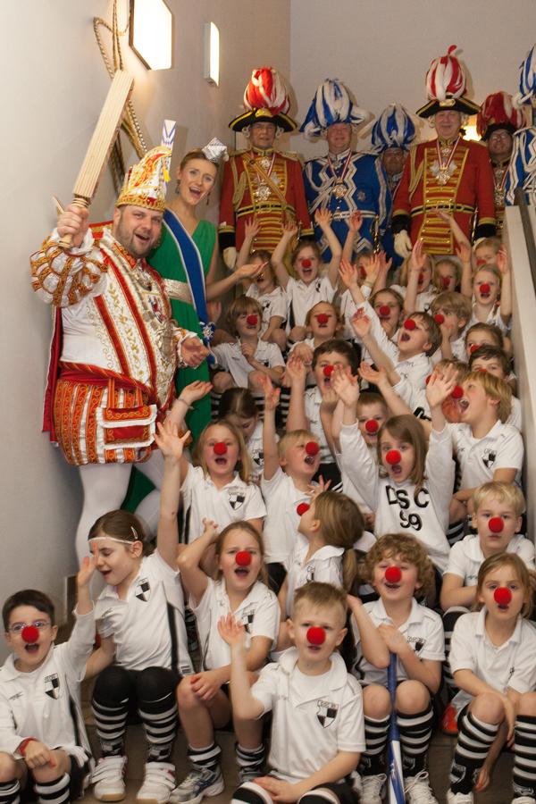 DSC-Hockeykinder mit dem Prinzenpaar