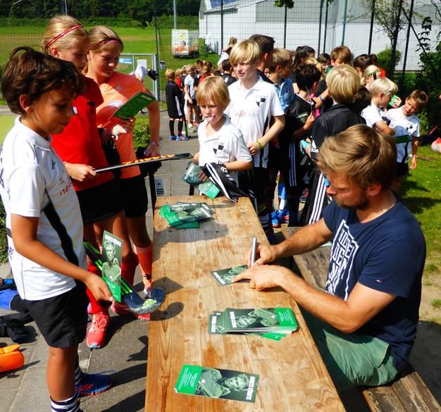 Autogrammstunde mit Moritz Fürste