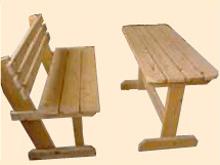 後藤建設の大工さんが作るテーブルとベンチ