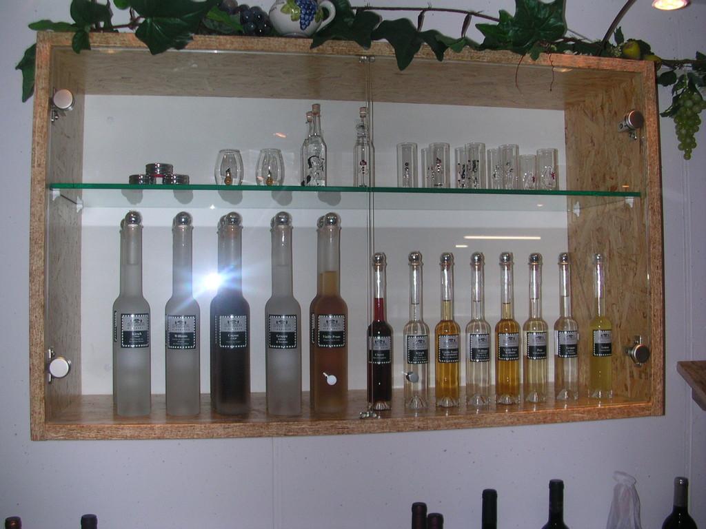 Weindegustation-Bar in OSB