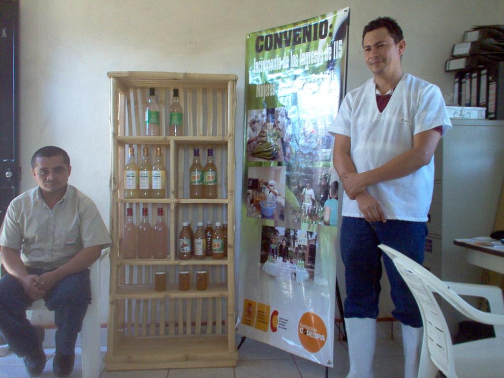 Votrag zu Aloeveraproduktion von enem COMUCAP-Angestellten