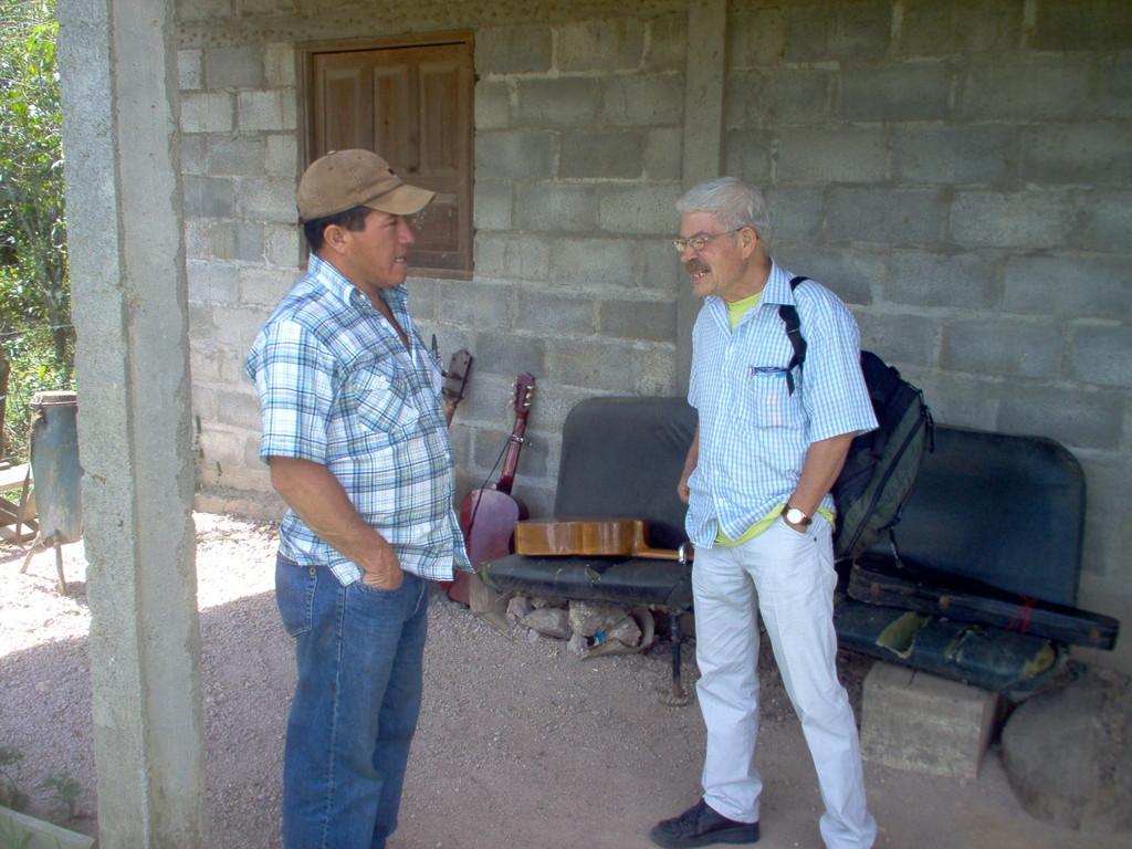 Gespräch mit dem Bürgermeister des autonomen Landkreises Nahuaterique, Februar 2010