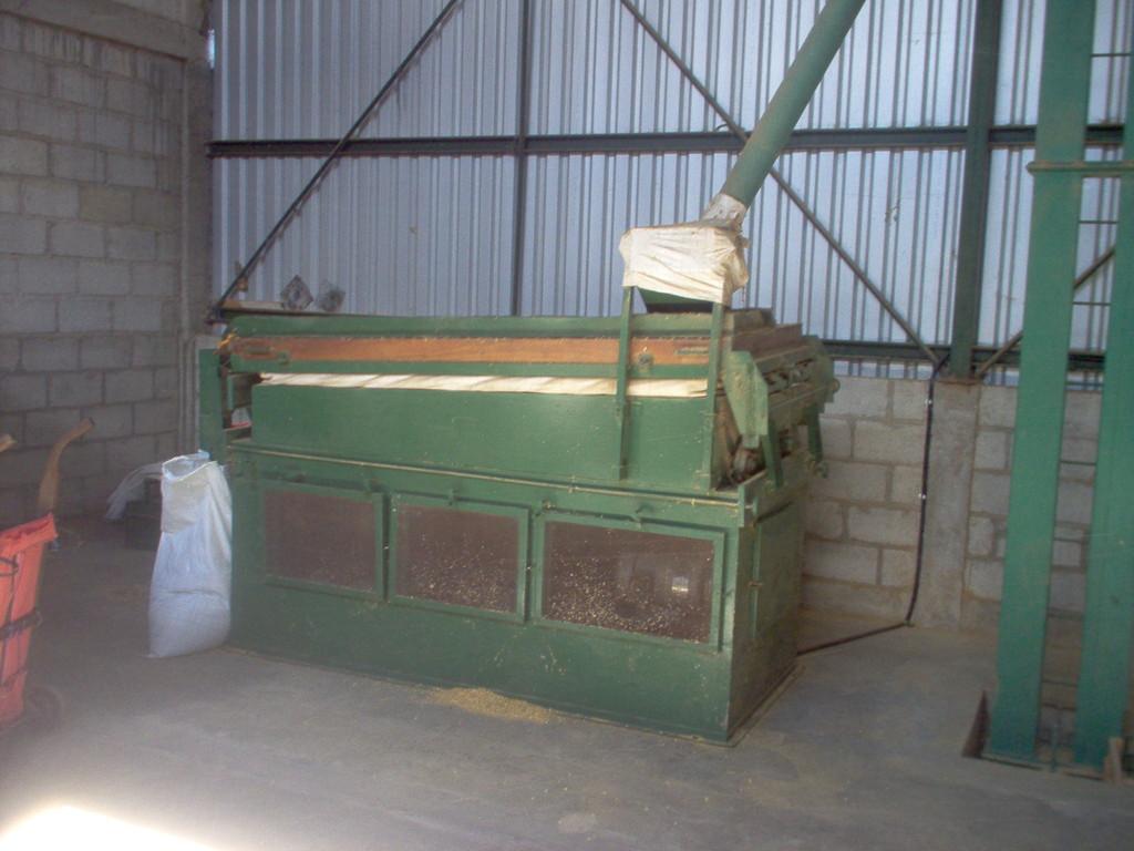 """Gewichtssortiermaschine """"Oliver"""" in der Kaffeeveredelungswerk"""