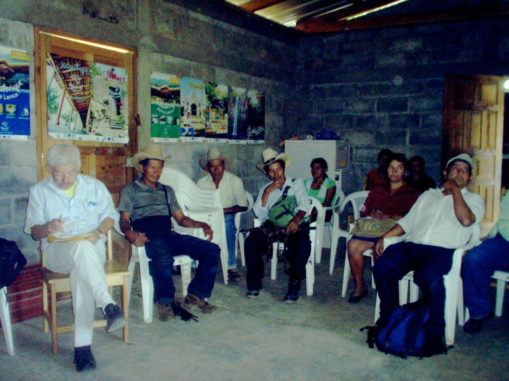 Treffen mit Landkreisrat, Kooperativenmitgliedern und interessierten Käufern, Februar 2010