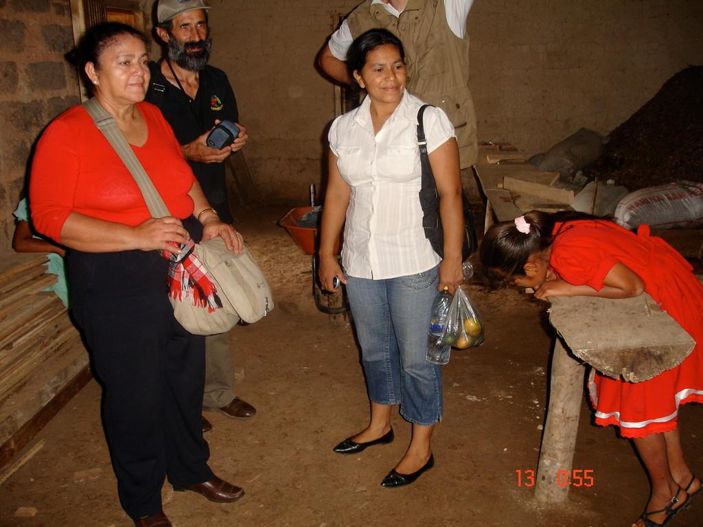 Besuch der ALIANZA ECOCAFEH in der Biodünger-Produktionsstätte eines Kooperativenmitglieds