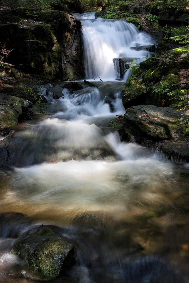 Deutschland, Bayern, Landkreis Tirschenreuth, Wasserfall bei Altmugl