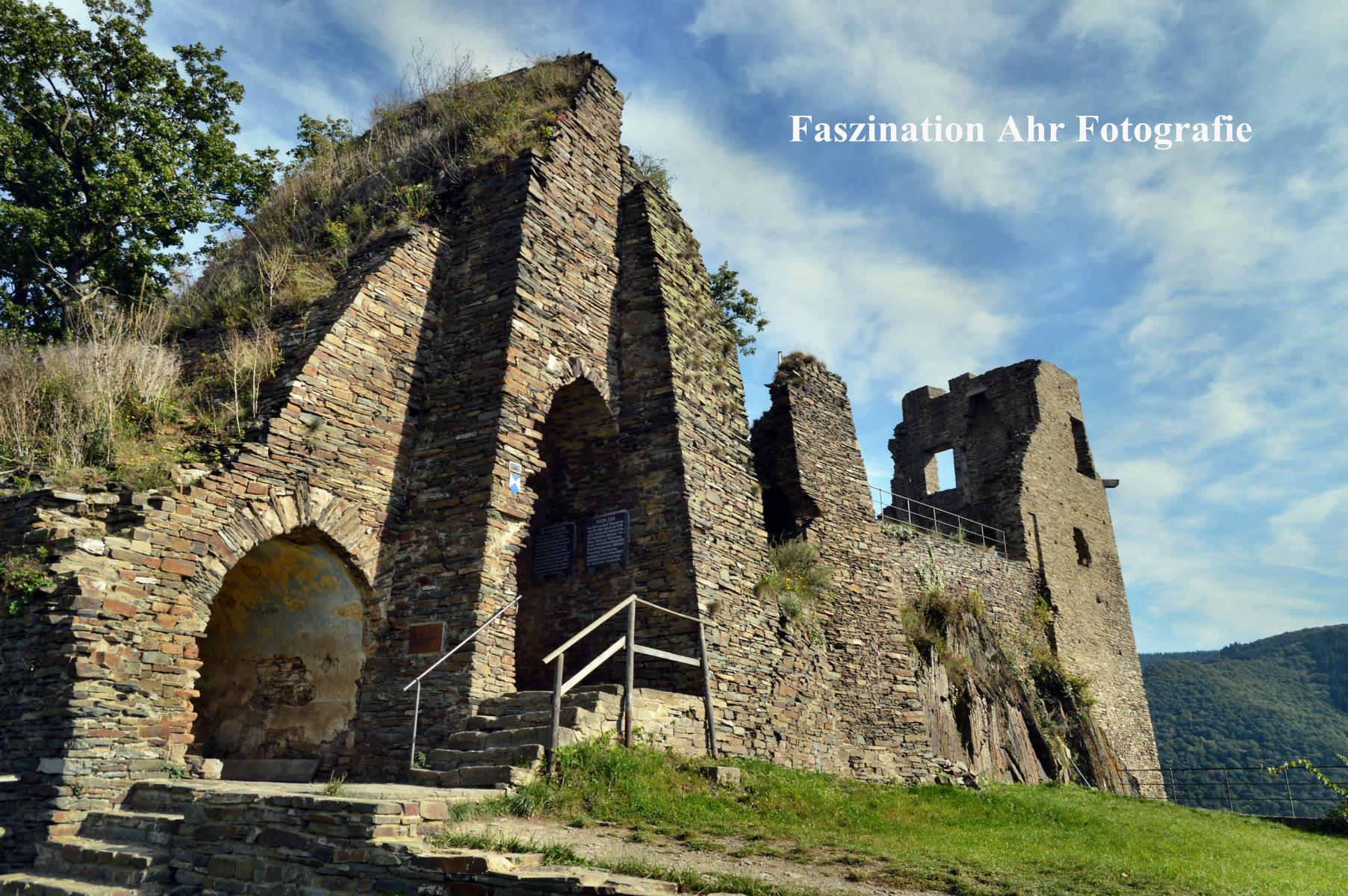 Burg Are 8