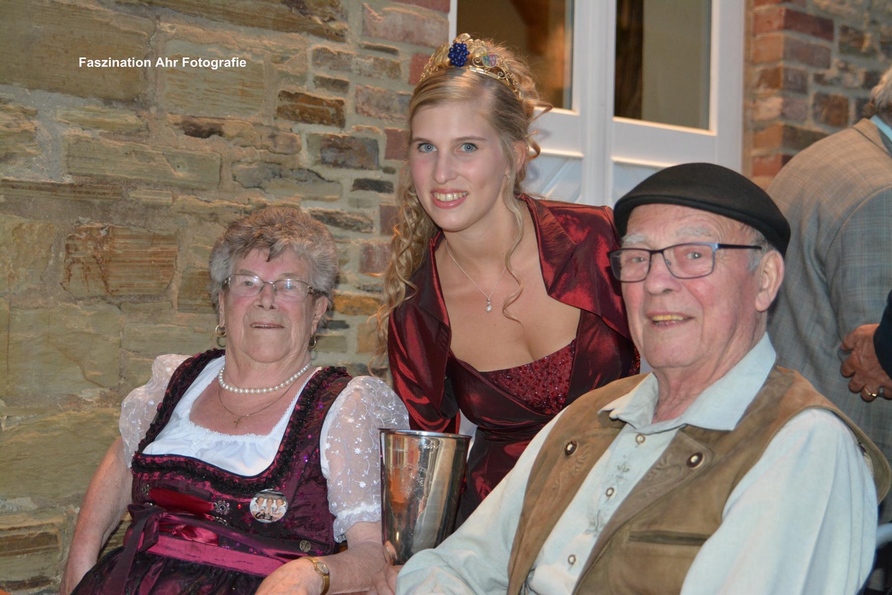 Die stolzen Großeltern Martha und Helmut Sebastian
