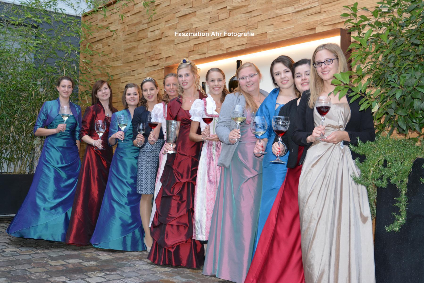 Die Weinköniginnen der Ortsgemeinden der Ahr