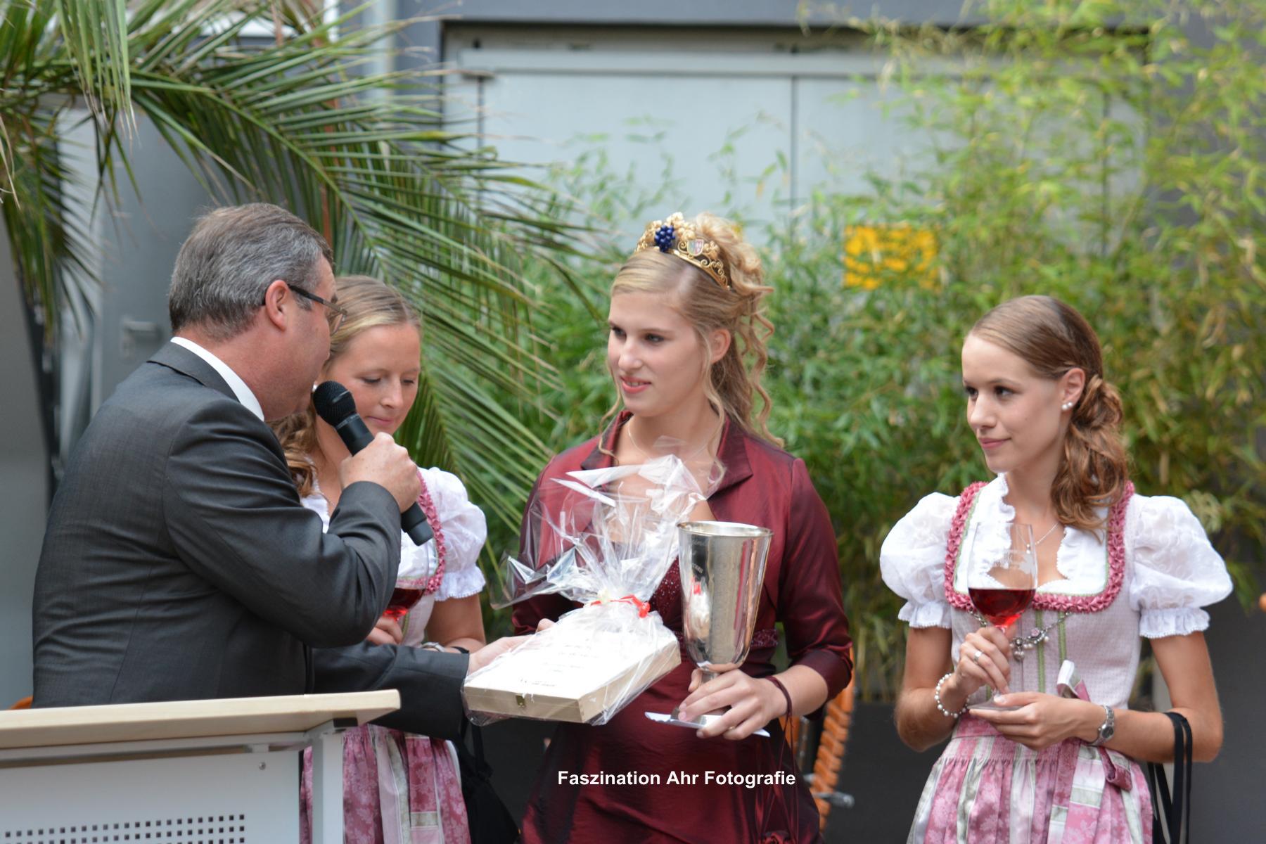 Horst Gies überbrachte in Vertretung für den Landrat dessen Glückwünsche