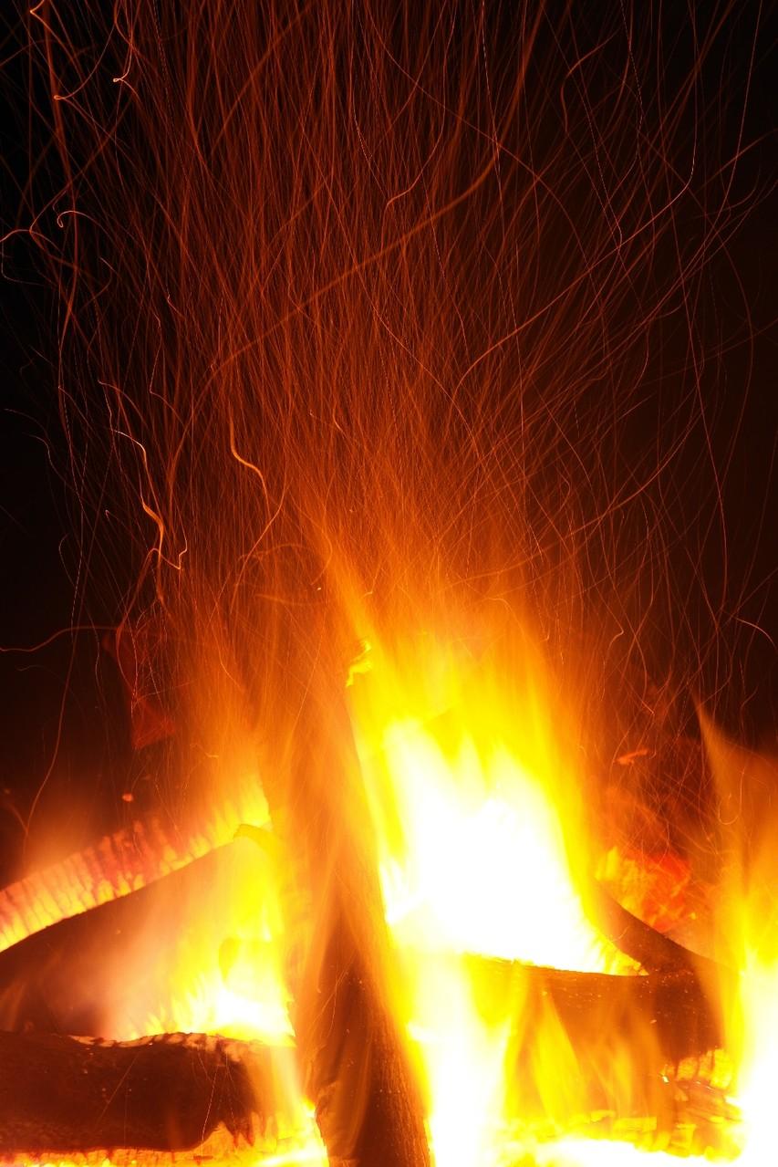 Feuer und Funkenflug