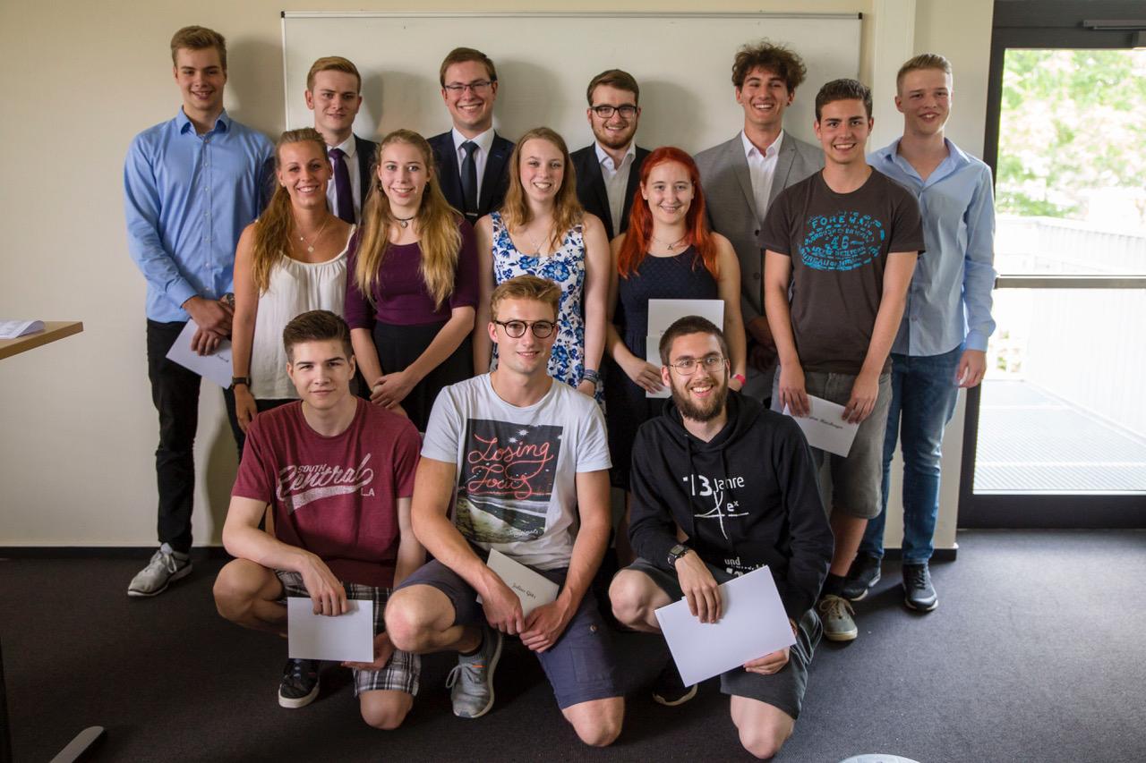 Die Jahrgangsbesten Abiturientinnen und Abiturienten